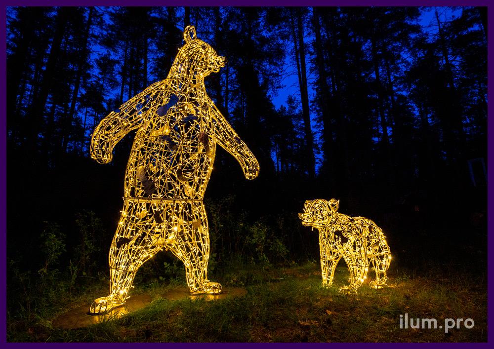 Пара светодиодных медведей разных размеров, благоустройство парка фигурами животных