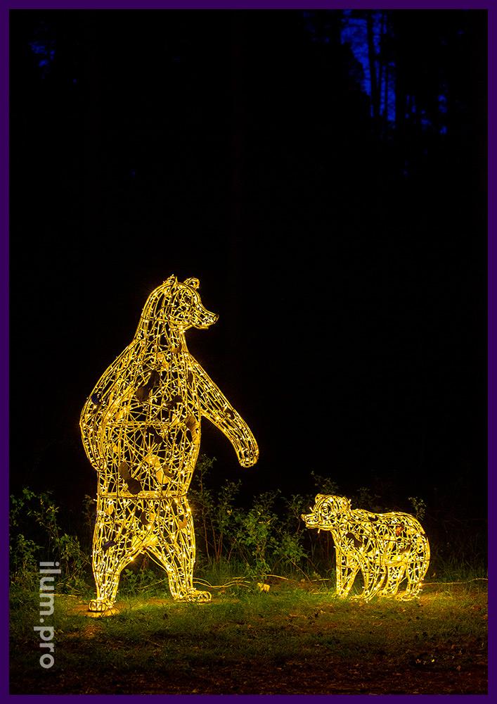 Декоративные украшения для сада и парка - медведи из гирлянд и алюминия