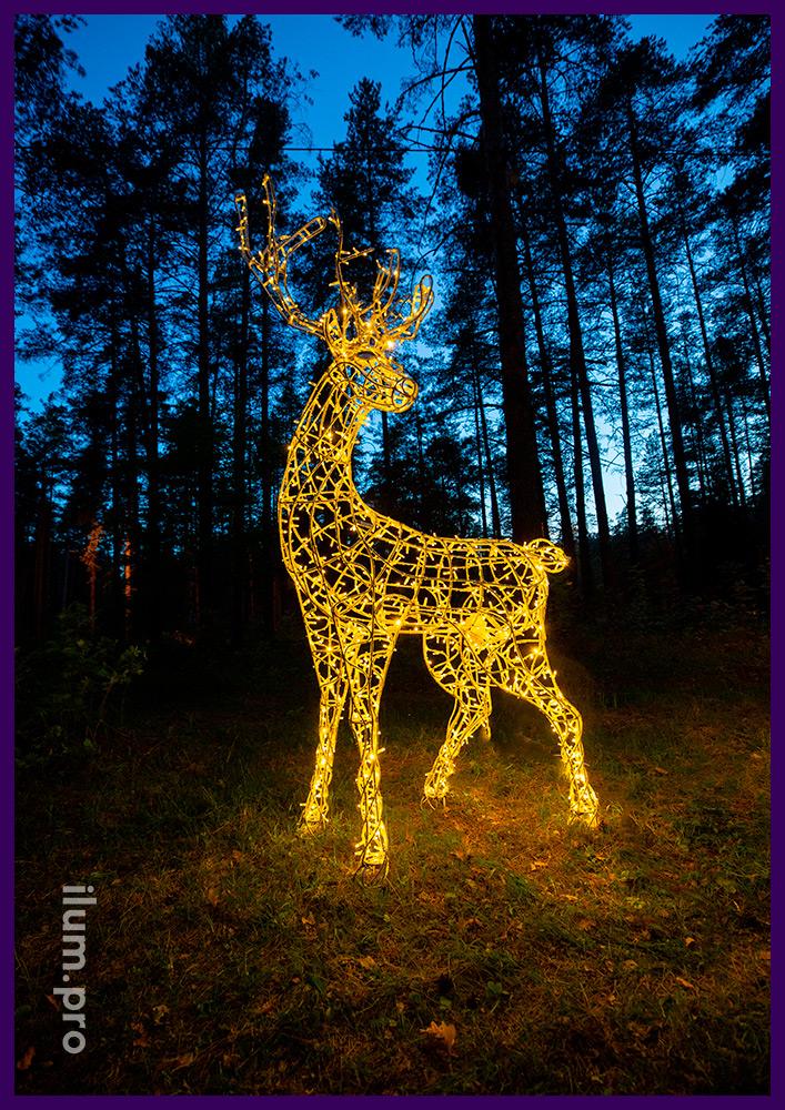 Световая скульптура оленя для установки в парке, подсветка уличными гирляндами