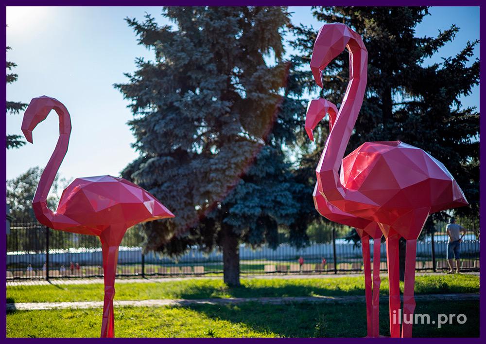 Полигональные фламинго из металла, розовое порошковое покрытие защитным полимером
