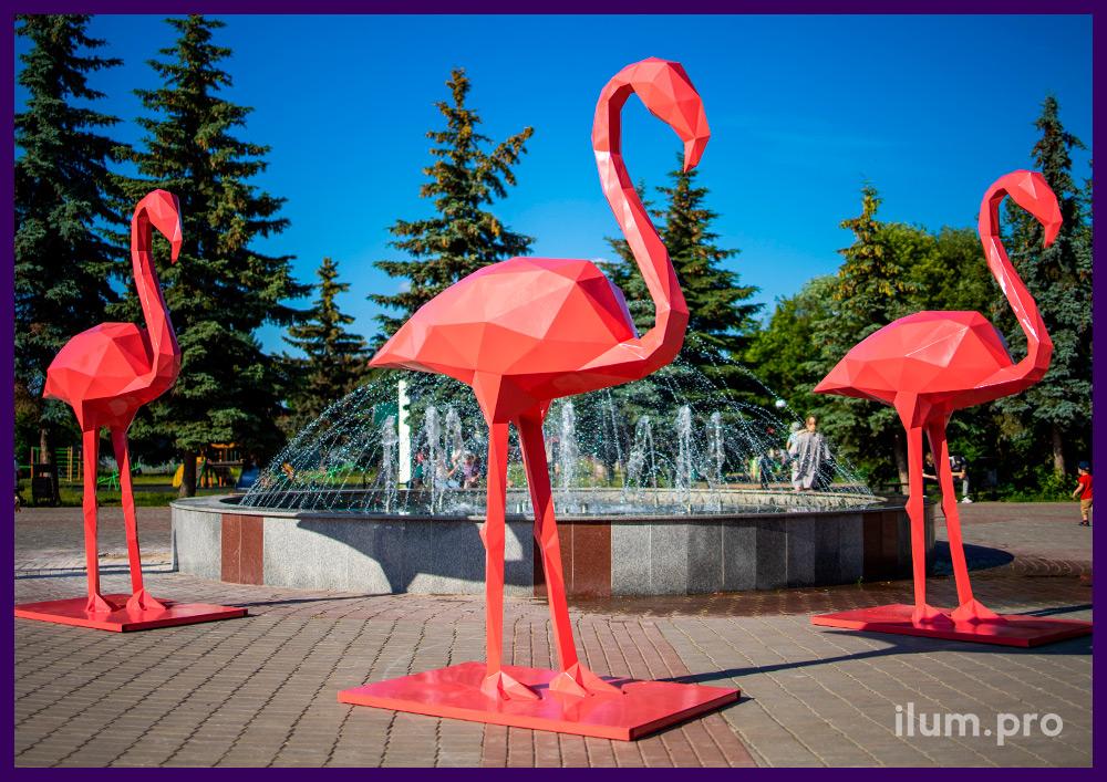 Металлические полигональные фигуры фламинго розового цвета из крашеной стали