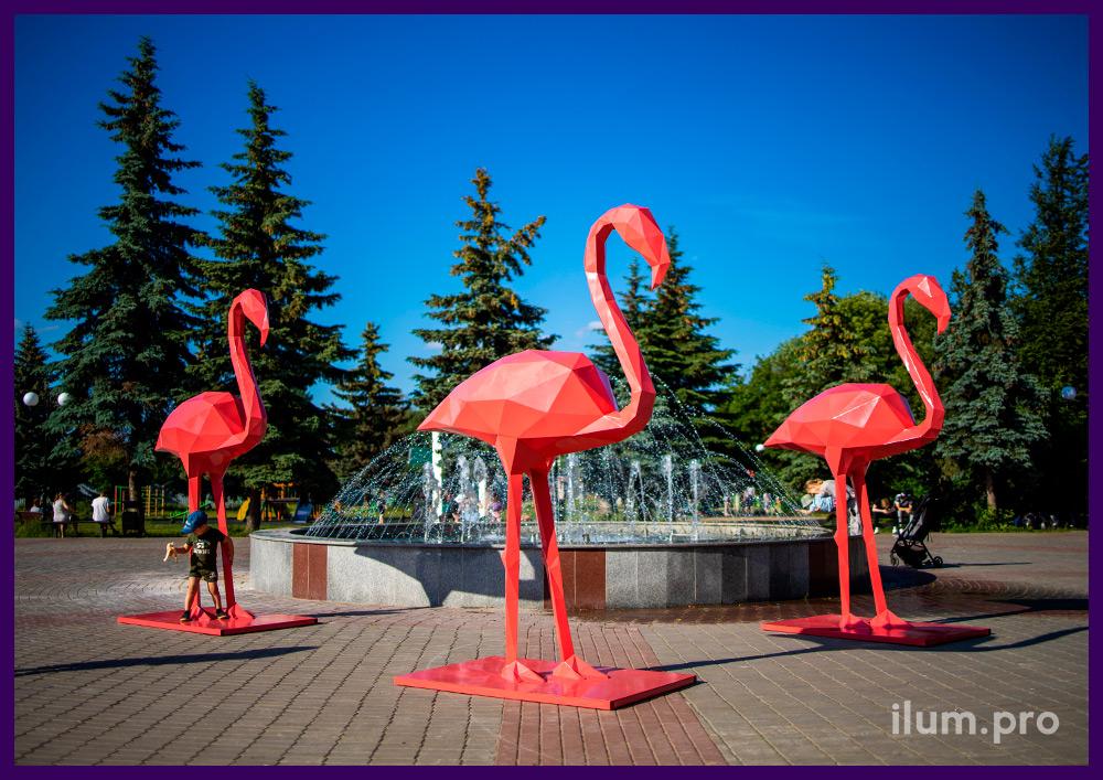 Полигональные фламинго для украшения улицы и интерьера, металлические арт-объекты на площади