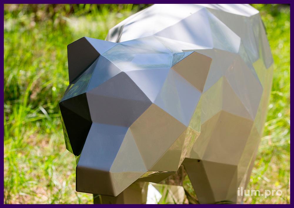 Мишка полигональный стальной с покрытием порошковой краской белого цвета