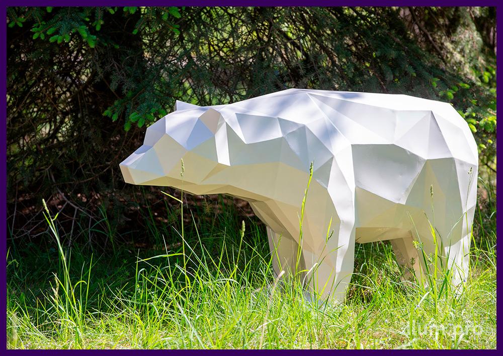 Полигональные медведи из металла, защита от коррозии порошковой краской