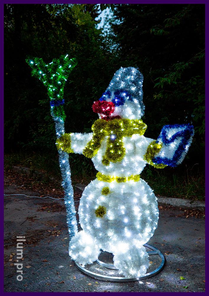 Световая фигура снеговика с мишурой, разноцветная иллюминация для парков и скверов