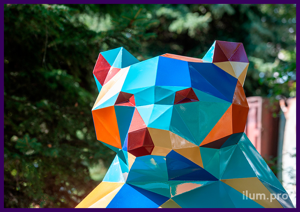 Металлическая полигональная фигура из крашеной листовой стали, арт-объект металлический