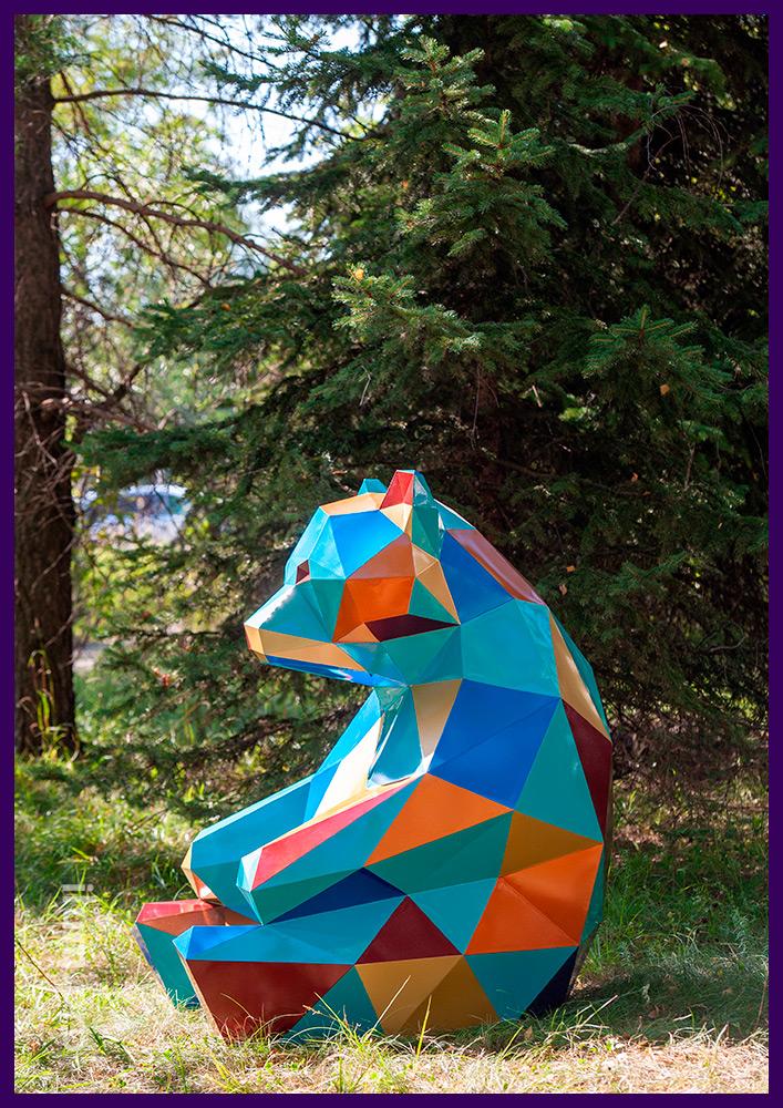Мишка металлический полигональный из крашеной в разные цвета стали