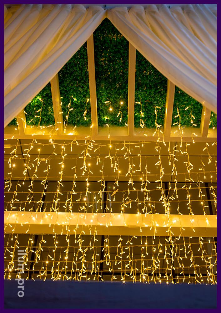 Светодиодные гирлянды в Иркутске, украшение летней веранды бахромой