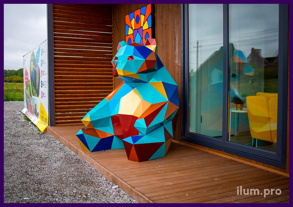 Металлический арт-объект в форме медведя в Тюмени, арт-объект для украшения территории ЖК