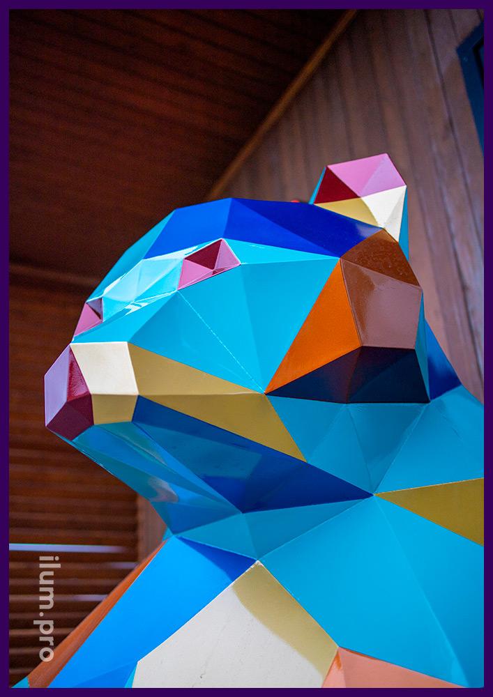 Медведь полигональный высотой 1,5 метра, арт-объект из крашеной стали в Тюмени