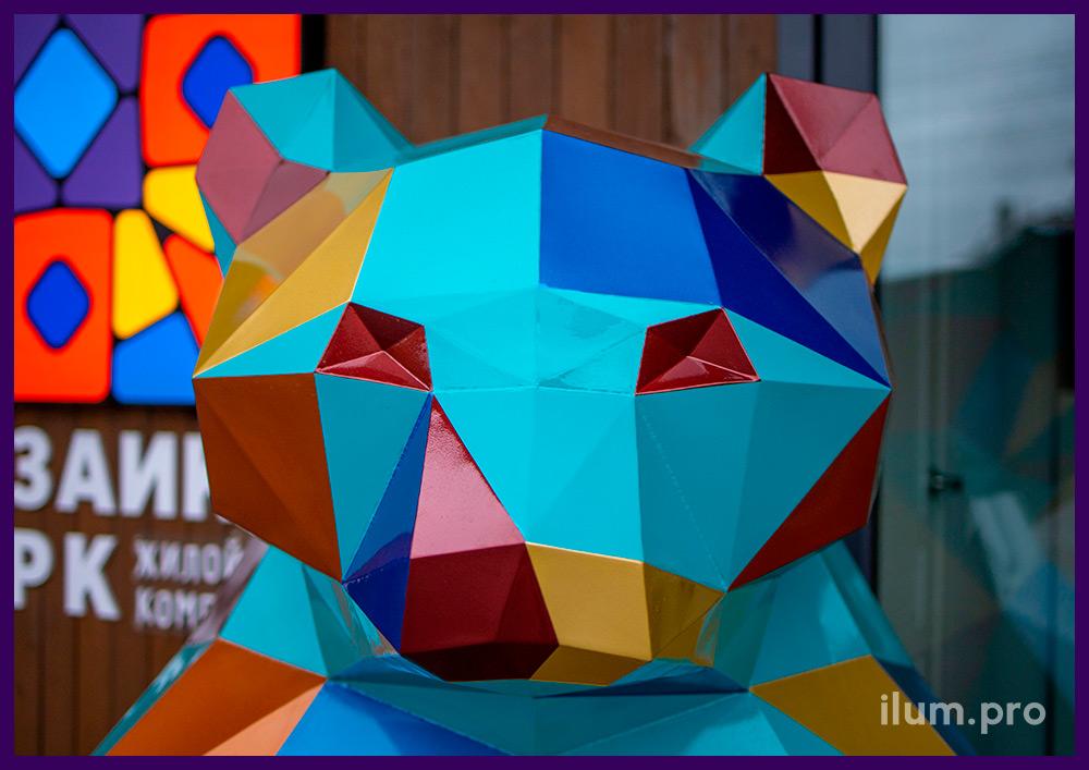 Медведь полигональный крашеный - металлический арт-объект для украшения ЖК в Тюмени