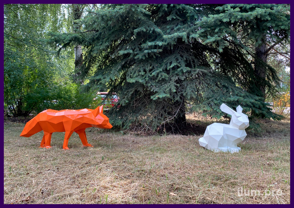 Лиса и заяц металлические полигональные белого и оранжевого цвета