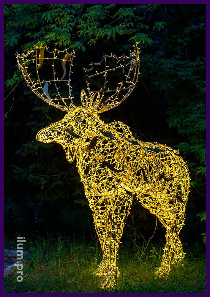 Новогодние декорации с гирляндами - фигуры лосей тёпло-белого цвета, защита IP65
