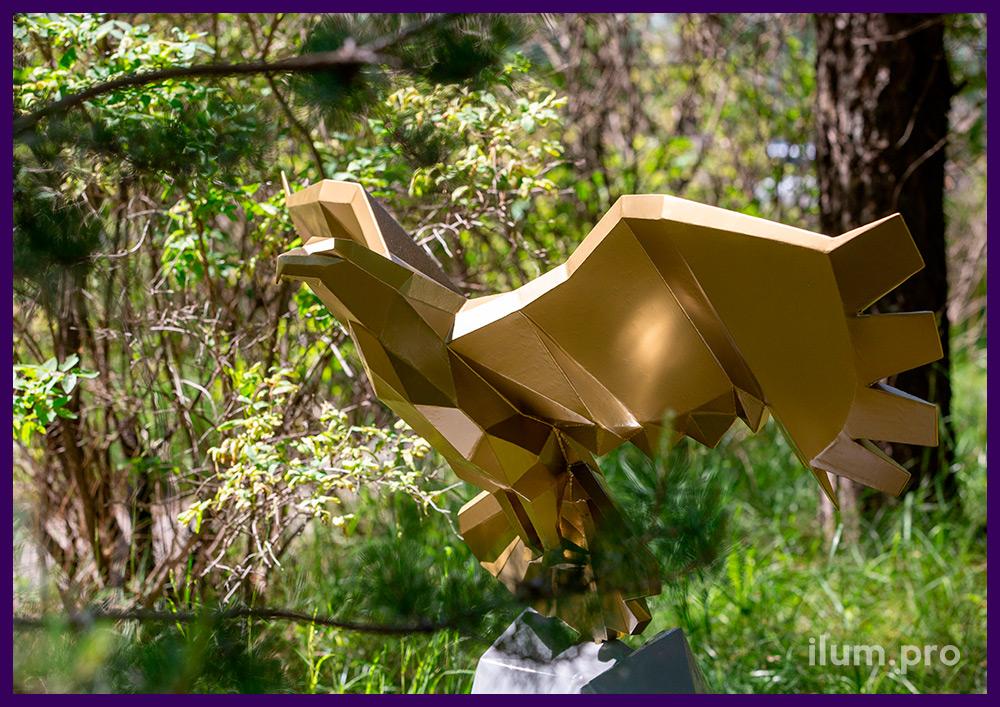 Орёл золотой полигональный - ландшафтный арт-объект из стали в городском парке