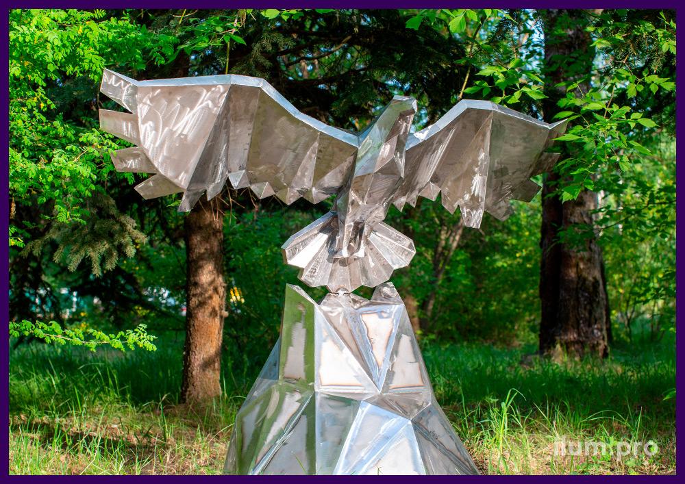Орёл металлический полигональный для улицы и интерьера - скульптура для парка