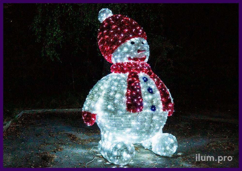 Фигура светящегося снеговика с разноцветной мишурой и гирляндами с защитой от осадков и мороза IP65