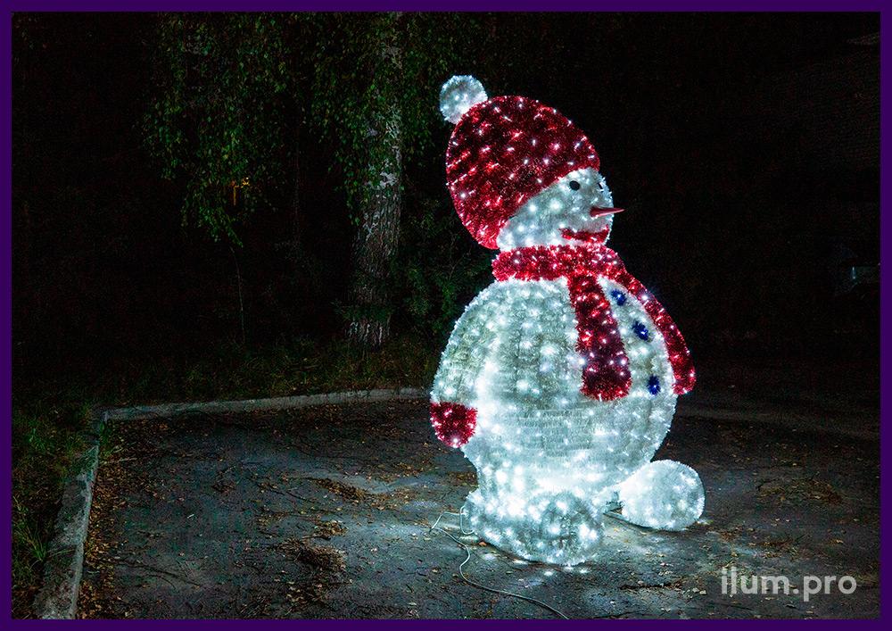 Новогодняя световая фигура снеговика из мишуры и гирлянд, каркас высотой 2,5 метра