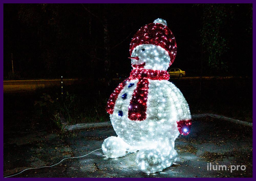 Разноцветный снеговик из мишуры и светодиодных гирлянд для улицы и интерьера