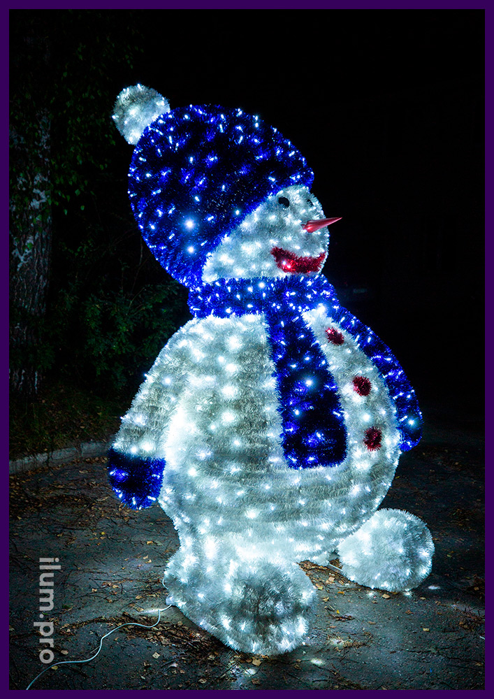 Декоративная фигура с подсветкой гирляндами - снеговик из металлического каркаса и светодиодных гирлянд с разноцветной мишурой