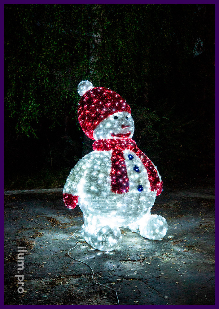 Фигура светодиодная большого размера в форме снеговика в шапке и шарфе кра