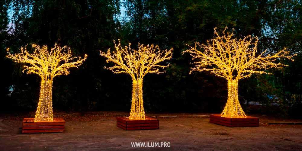 Светодиодные деревья разных размеров с гирляндами