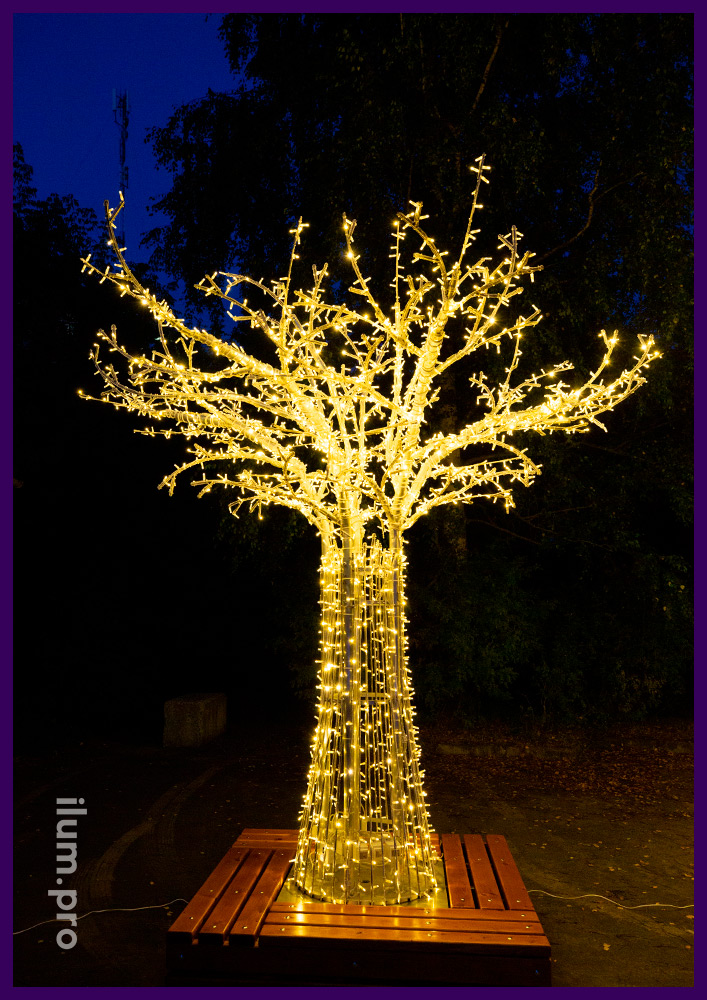 Деревья светодиодные со скамейками - праздничные декорации для города