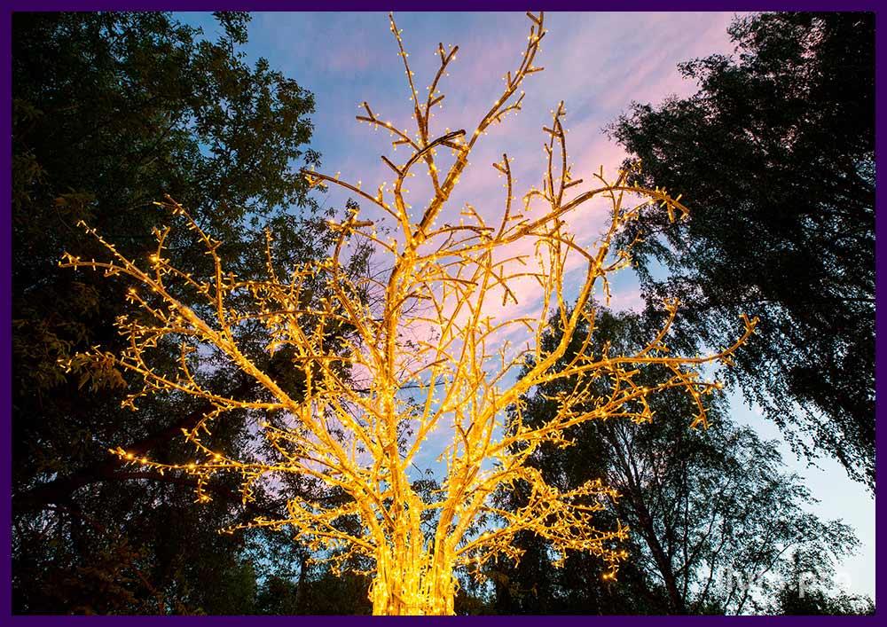 Дерево металлическое из алюминия и светодиодных гирлянд тёплых тонов
