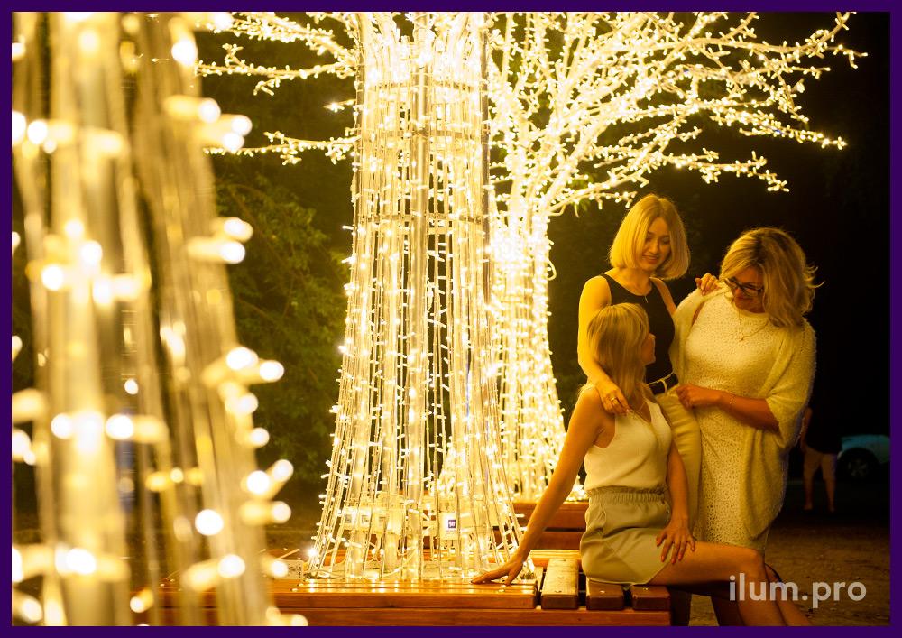 Новогодняя иллюминация для улицы - светящиеся деревья с гирляндами