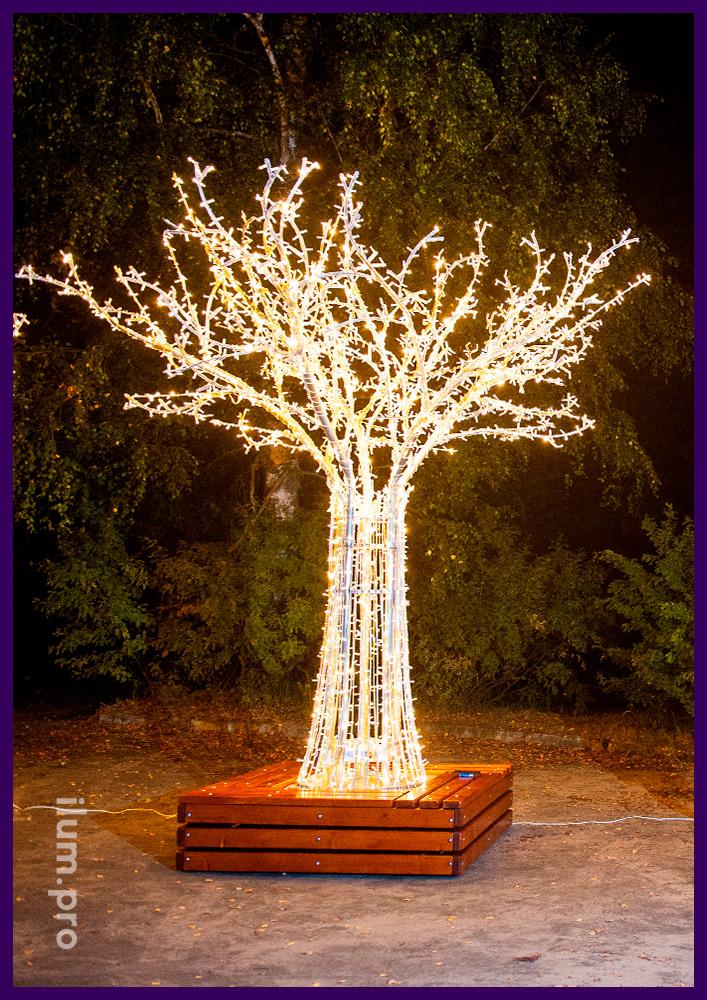 Светодиодное дерево из гирлянд и металлического каркаса для украшения города на праздники