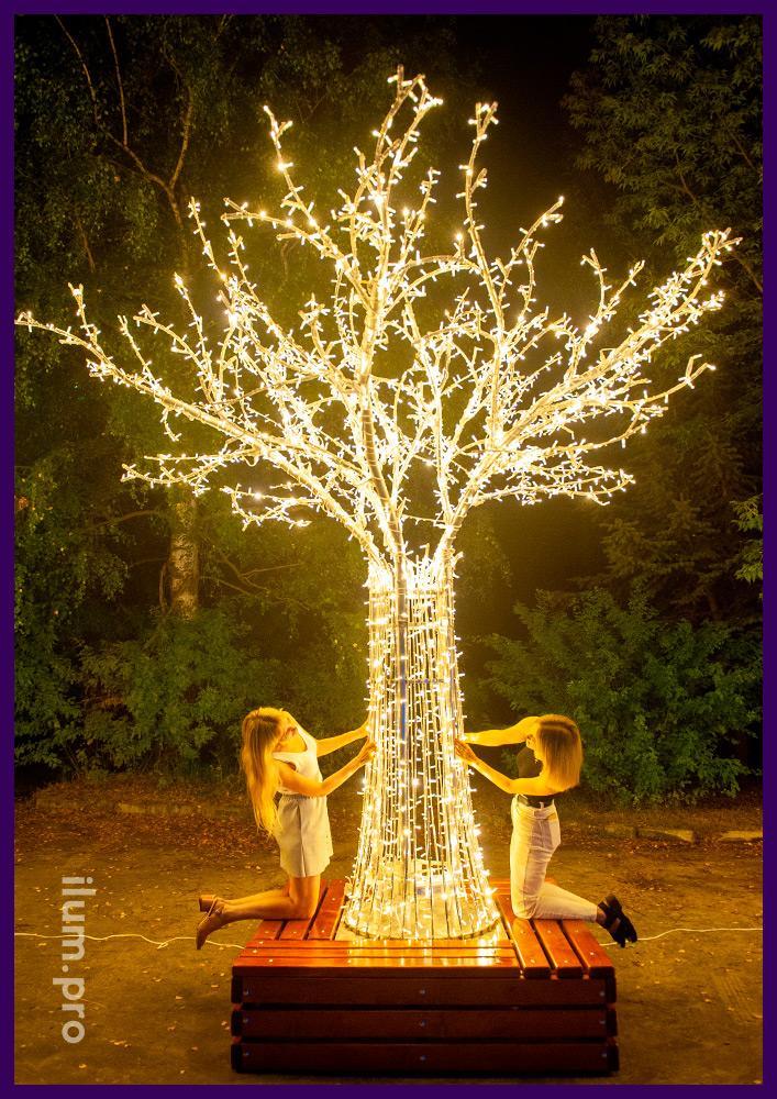 Дерево светодиодное небольшое с гирляндами на алюминиевом профиле