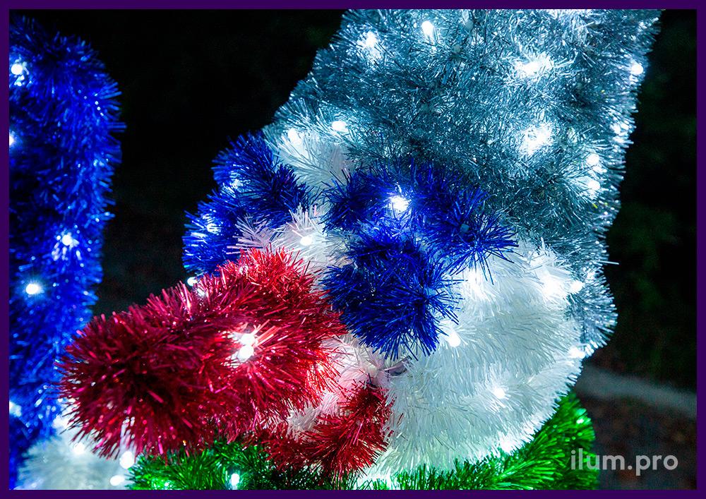 Снеговики светодиодные с мишурой и гирляндами, декорации с лыжами и палками