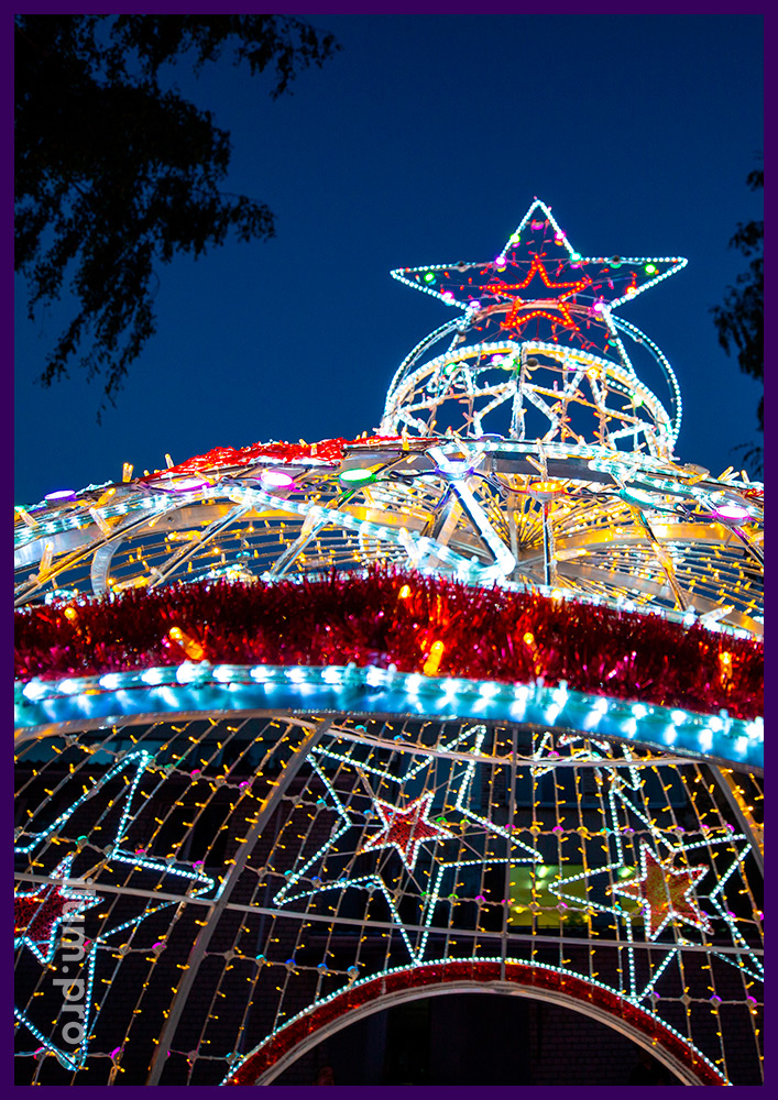 Арка в виде ёлочного шара с гирляндами и RGB SMART модулями на Новый год