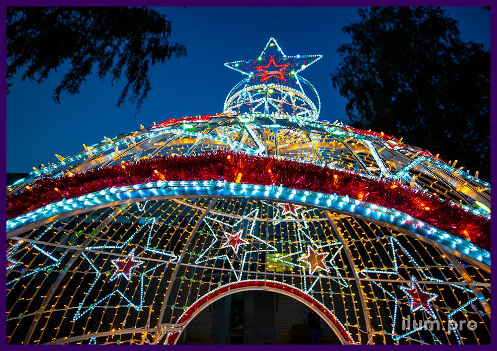 Разноцветные новогодние декорации с подсветкой LED RGB модулями и гирляндами