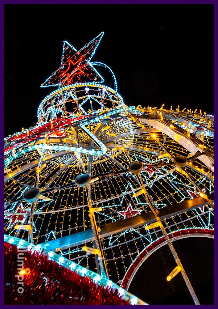 Шар в форме новогодней арки со звёздами из гирлянд и дюралайта, а также RGB модулей с эффектами